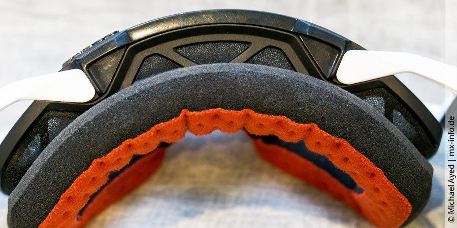 Motocross-Brille: Schaumstoffe für guten Sitz und Belüftung