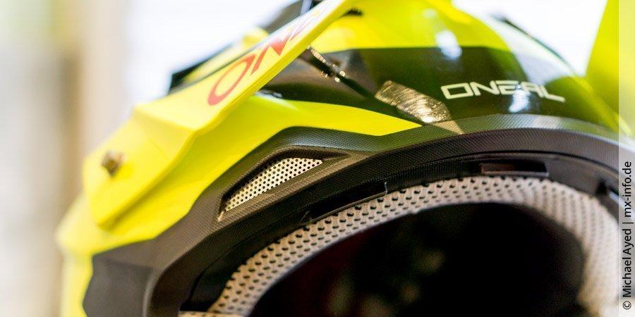 Worauf ist bei Innenpolster & Belüftung eines Motocross-Helms zu achten?