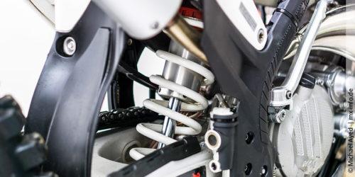 Motocross-Stoßdämpferfeder austauschen: Schritt-für-Schritt-Anleitung
