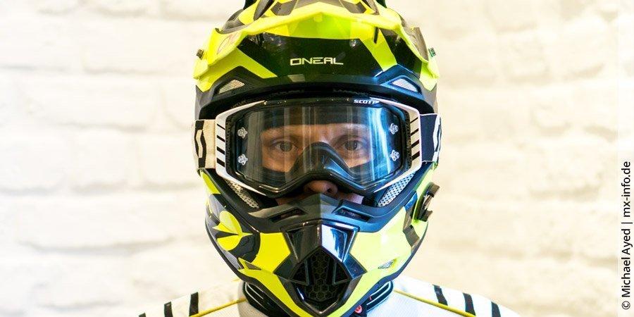 Deine Motocross-Brille muss zu deinem Helm passen